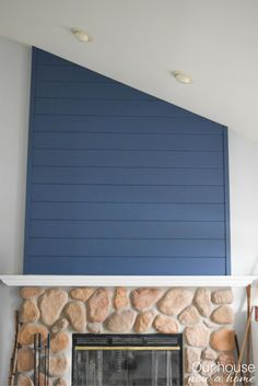 How to create a fireplace wood feature wall – A modern Shiplap style. Step-by-step tutorial to create this look! Changing up this classic farmhouse look to blend with the coastal and contemporaneity home.