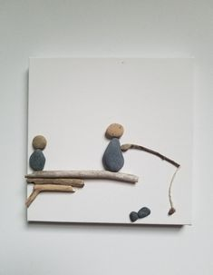 Father And Son Fishing Trip Pebble Art Home Decor – taş sanatı – Kreativ Stone Crafts, Rock Crafts, Arts And Crafts, Stone Pictures Pebble Art, Stone Art, Wood Stone, Pebble Painting, Stone Painting, Rock Kunst