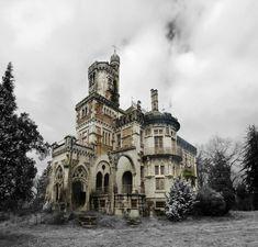 The Castle of Dona Chica, Palmeira - Braga, Portugal  Photos: Ruin'arte