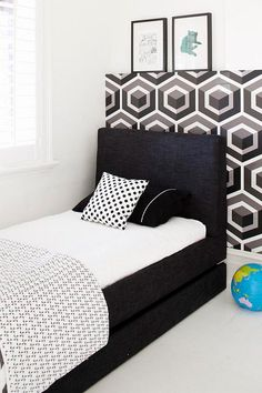 Black, white & geometric
