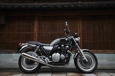 Honda+CB+1100+EX+Special+Edition+2016+%28Japan%29+06.jpg (880×587)