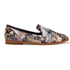 Yoins Yoins Floral Print Flat Shoes (37 CAD) ❤ liked on Polyvore featuring women's fashion, shoes, flats, yoins, black, flat pumps, black shoes, slip on flats, black slip on flats and slipon shoes