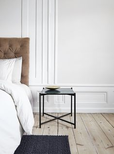 Handvark have created a multipurpose table that can serve as a small coffee table, a side table or a night stand. Marble Top Side Table, Note Design Studio, Small Coffee Table, Coffee Tables, Contemporary Side Tables, Interiors Magazine, Interior Decorating, Interior Design, Commercial Interiors
