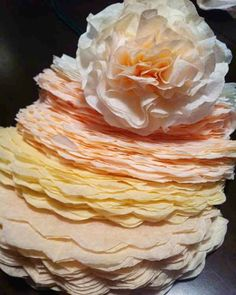 Coffee-filter-flower-tutorial I have soo many coffee filters, its redonk. How to Make Coffee Filter Flowers Coffee Filter Wreath, Coffee Filter Crafts, Coffee Filter Flowers, Coffee Filters, Coffee Filter Art, Handmade Flowers, Diy Flowers, Fabric Flowers, Tissue Paper Flowers