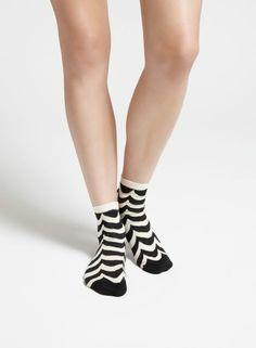 Welle-sukat (l.valkoinen, musta) |Asusteet, Sukat ja sukkahousut, Laukut & asusteet | Marimekko