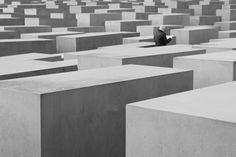 BERLIN / Jewish Memorial (Peter Eisenman, 1998-2005) © F. Martin Peter Eisenman, Berlin, Table, Furniture, Home Decor, Architecture, Decoration Home, Tables, Home Furnishings