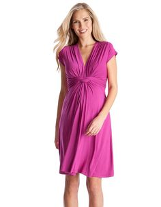 Shop on-trend designer maternity dresses online from A Pea in the Pod. Explore stylish maternity dresses for every occasion, from the office, date nights, weekend trips, and more. A Pea in the Pod Maternity Cute Maternity Dresses, Maternity Clothes Online, Maternity Nursing Dress, Stylish Maternity, Maternity Fashion, Maternity Style, Maternity Wear, Stylish Pregnancy, Maternity Wardrobe