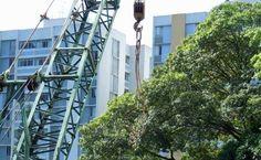 """No domingo, 21, das 16h às 19h, moradores da zona oeste irão realizar uma ação pública pedindo que as 30 árvores do canteiro central da avenida Matarazzo não sejam cortadas. Eles aproveitarão a oportunidade para pedir melhorias para o transporte público da região. Segundo os organizadores do protesto, com a construção dos mega empreendimentos na...<br /><a class=""""more-link""""…"""
