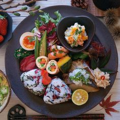 The Importance of Vitamin in a Vegetarian Diet Vegetarian Types, Vegetarian Recipes, Japanese Food Sushi, Plate Lunch, Cafe Food, Food Plating, Food Photo, Asian Recipes, Food Inspiration