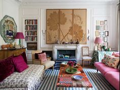 Whether you're a certified globe trotter or travel vicariously through your Insta feed, there's no denying the allure of the haute bohemian look. Meticulously collected, but oh-so effortless and full of joie de vivre, the style has a new legion of fans (thanks in no small part to Miguel Flores-Vianna's daydream-inducing design tome Haute Bohemians).