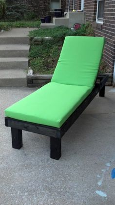 This DIY House: Easy DIY Outdoor Lounge Chairs & Pinterest Challenge: Summer Edition