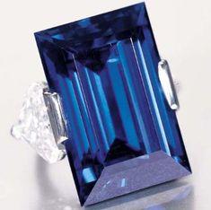 The Rockefeller Sapphire is a rectangular step-cut, internally flawless, cornflower blue sapphire of Burmese origin . most expensive sapphire in the world. Bling Bling, Bijoux Art Deco, Sapphire Jewelry, Sapphire Rings, Sapphire Birthstone, Birthstone Jewelry, Diamond Are A Girls Best Friend, Stone Rings, Blue Sapphire