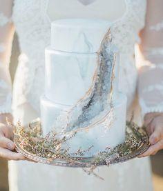 Seaside wedding color inspiration. The beauty of a geode wedding cake.