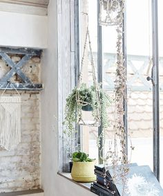 Soft Industrial with boho vibes in France French Interior, French Decor, Bohemian Design, Bohemian Decor, Bohemian Birthday Party, Boho Deco, Bohemian Furniture, French Country House, Rustic Elegance