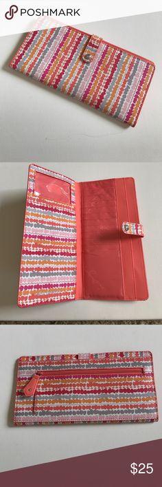 Vera Bradley wallet Sleek and slim! Vera Bradley Bags Wallets