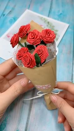 DIY Rose Bouquet Red rose ,mean passionate forever love. Use crease pattern paper to make rose bouquet. Save it , tr Diy Crafts Hacks, Diy Crafts For Gifts, Handmade Crafts, Kids Crafts, Diys, Creative Crafts, Diy Projects, Handmade Headbands, Yarn Crafts