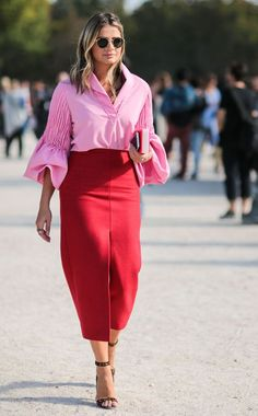 Kristina Bazan from Street Style at Paris Fashion Week Spring 2016 Valentine's day outfit Idea Pink Street, Street Chic, Paris Street, Color Street, Look Fashion, Fashion Outfits, Womens Fashion, Fashion Trends, Red Color Combinations