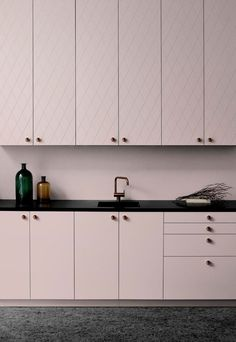 Pink kitchen cabinets - Six brands to help you customise IKEA kitchen cabinets – Pink kitchen cabinets Pink Kitchen Cabinets, Ikea Cabinets, Black Cabinets, Kitchen Shelves, Kitchen Pantry, Kitchen Countertops, Armoire Ikea, Urban Kitchen, Home Decor