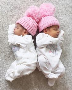 Inspire you're Kids So Cute Baby, Cute Baby Twins, Twin Baby Girls, Baby Kind, Twin Babies, Little Babies, Baby Love, Twin Baby Photos, Jüngstes Kind