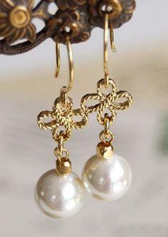 Gold Clover Swarovski Cream Ivory Pearls Dangle Earrings http://ift.tt/1hhB2Sa