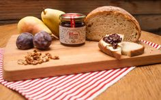 Plum chutney with pears and nuts