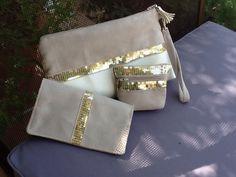 Porte monnaie zippé en suédine couleur caramel et paillettes or clair : Porte-monnaie, portefeuilles par lesfilsdisa