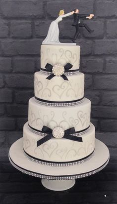 Black,white and silver stenciled wedding cake