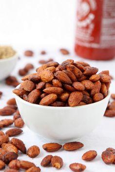 Brown Sugar Sriracha Almonds | The Kitchen Paper