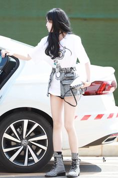 Airport Style, Airport Fashion, Xuan Yi, Leo, Dancer, Punk, Lion