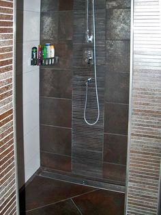 mosaikfliesen in der dusche badezimmer fliesen. Black Bedroom Furniture Sets. Home Design Ideas