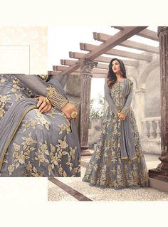 Make a head- turning statement in all your occasion with this Arressting Grey Party wear style Suit. Anarkali Gown, Saree Dress, Anarkali Suits, Pakistani Formal Dresses, Indian Dresses, Designer Anarkali Dresses, Designer Dresses, Simple Dresses, Nice Dresses
