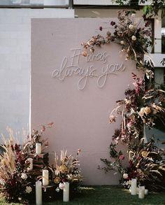 Wedding Backdrop Design, Wedding Stage Design, Wedding Spot, Wedding Goals, Wedding Designs, Dream Wedding, Backyard Wedding Decorations, Backdrop Decorations, Backdrops