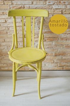 Sillas de colores | Hadas y Cuscus My Furniture, Vintage Furniture, Painted Furniture, Old Chairs, Antique Chairs, Love Chair, Easy Wood Projects, Diy Painting, Chalk Paint