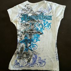 Rue 21 Top Fitted shirt in great condition. Worn less than 10 times. Rue 21 Tops Tees - Short Sleeve