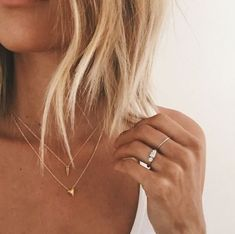 simple jewelry | gold | stacked necklaces | thin rings | boho | everyday | casual | blonde loose bob