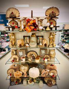 Marshalls Store, Store Displays, Visual Merchandising, Tj Maxx, Display Ideas, Harvest, Home Goods, Tables, Retail