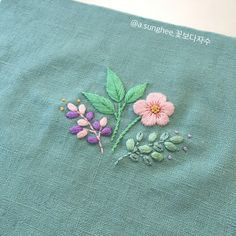 Diy Embroidery Patterns, Hand Embroidery Art, Basic Embroidery Stitches, Flower Embroidery Designs, Couture Embroidery, Japanese Embroidery, Cross Stitch Embroidery, Machine Embroidery Designs, Zardosi Embroidery
