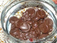 Χριστουγεννιάτικα σοκολατάκια #sintagespareas My Favorite Food, Favorite Recipes, My Favorite Things, Easy Sweets, Greek Desserts, Xmas, Christmas, Fudge, Pudding
