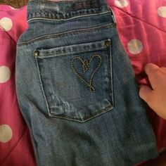 💕 designer CITIZEN OF HUMANITY Straight leg Citizen jeans, perfect condition, stitched heart on the back right pocket. Citizens of Humanity Jeans Straight Leg