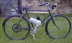 European lightweight Motorized Bicycles - Page 7 - Motorized Bicycle Engine Kit Forum Antique Motorcycles, Cool Motorcycles, Moped Motor, Bicycle Engine Kit, Bike Rally, Powered Bicycle, Motorized Bicycle, Gas And Electric, Cool Bikes