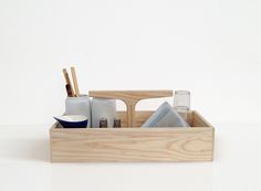 This clever Ro Collection No. 4 Toolbox can be used for more than just tools; use it in your kitchen, the carden, your office, for magasin or whatever you wish - it's transportable and handy! Shop: http://culturenordic.com/products-page/culturenordic-favourites/no-4-toolbox/