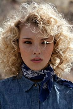 Are you a curly que? Check out some of the best hairstyles for your wild mane...