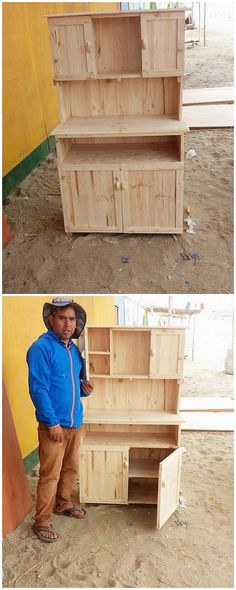 No matter whether you want to store your footwear, important clothing accessories, or the pieces of utensils, this simple and creative project of the wood pallet is a splendid idea for you. This wood pallet design has been all set in the custom design of cupboard artwork.