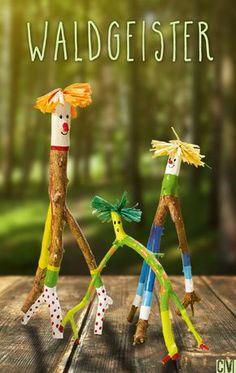 Crafts with branches - little forest spirits-Basteln mit Ästen – kleine Waldgeister Tinkering with branches – little forest spirits More - Kids Crafts, Crafts To Make, Craft Kids, Summer Crafts, Wooden Crafts, Wooden Diy, Garden Painting, Nature Crafts, Forest Crafts