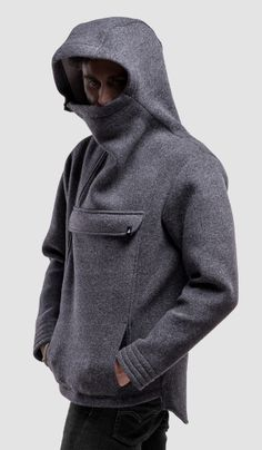 Anorak style never goes out of fashion. This piece is classic and modern, heavy and light at the same time. Heavy And Light, Going Out, Concrete, January, Coat, Jackets, How To Wear, Men, Style