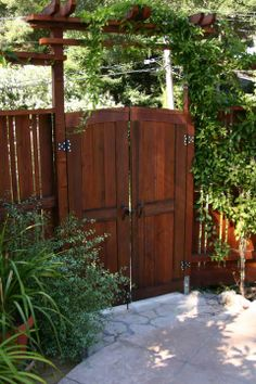 Google Image Result for http://www.chrishechtdesign.com/cms/images/stories/photos/fischer/k-arbor-gate-inside-view.jpg