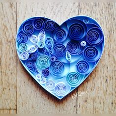 The sky is blue. The ocean is blue. Meaning of the blue is infinitude. Can LOVE be blue? Paper Quilling Flowers, Paper Quilling Tutorial, Quilling Work, Paper Quilling Patterns, Origami And Quilling, Quilled Paper Art, Quilling Paper Craft, Paper Crafts Wedding, Art Christmas Gifts