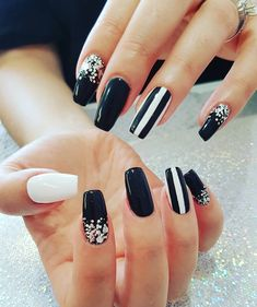 Manicure, Nails, Beauty, Beautiful, Black And White, Nail Bar, Finger Nails, Beleza, Ongles
