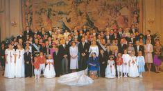 Foto Oficial de la Boda de la infanta Cristina de España e Iñaki urdangarin, con todos los invitados reales