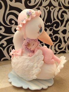 Cigüeña de porcelana en frío con una bebita por LazoDesigns en Etsy